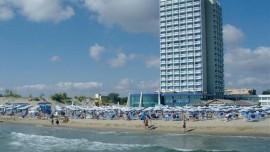 Burgas-sunny-beach-litoral-bulgaria (1)