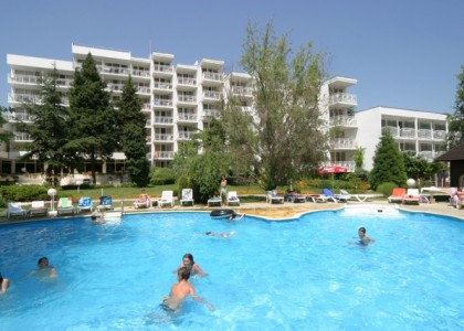 sandy-beach-albena-litoral-bulgaria (5)